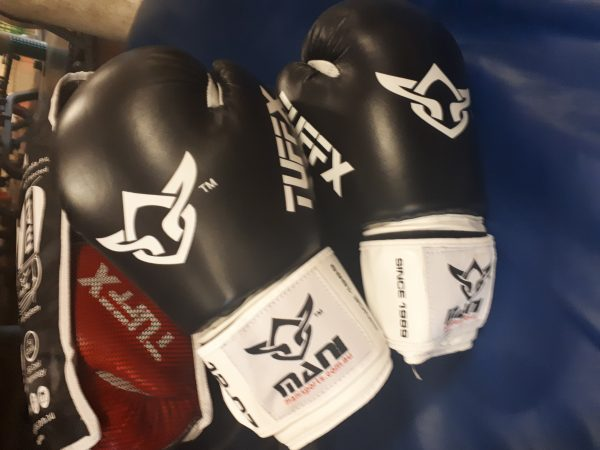 Mani 12oz Tuffx Boxing Gloves 2